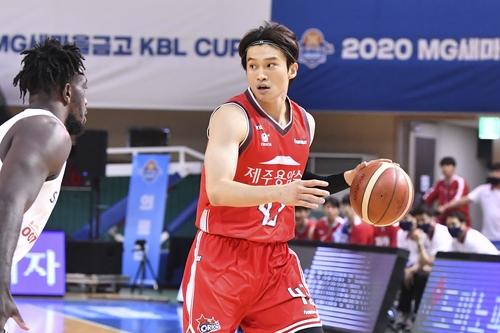 오리온, SK 꺾고 KBL컵 초대 챔피언…MVP에 이대성(종합)